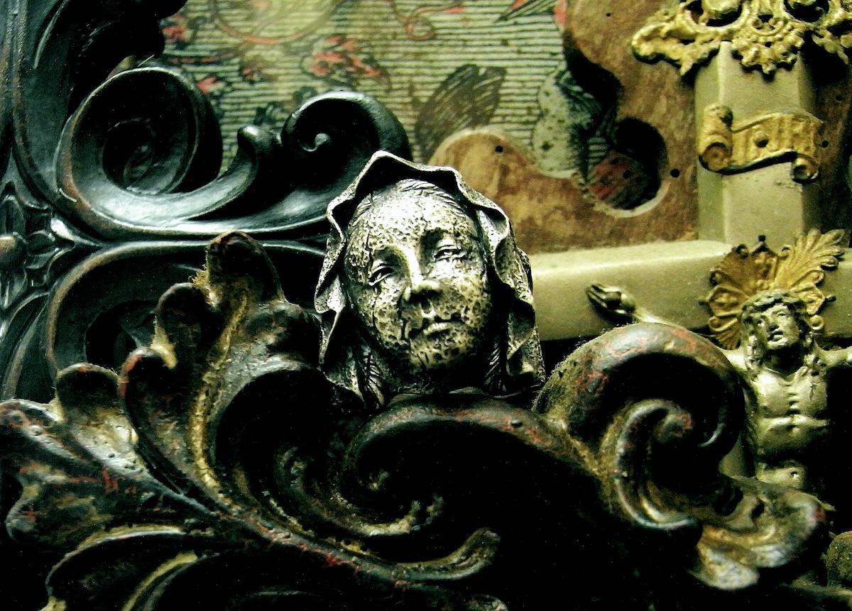 柔らかい表情の彫刻のようなタッチ【Maria Ring】
