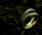 ヘビ柄を上品に【Ouroboros Ring】