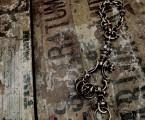 アンティークテイスト溢れるキーチェーン【Antique Shackle Keychain】