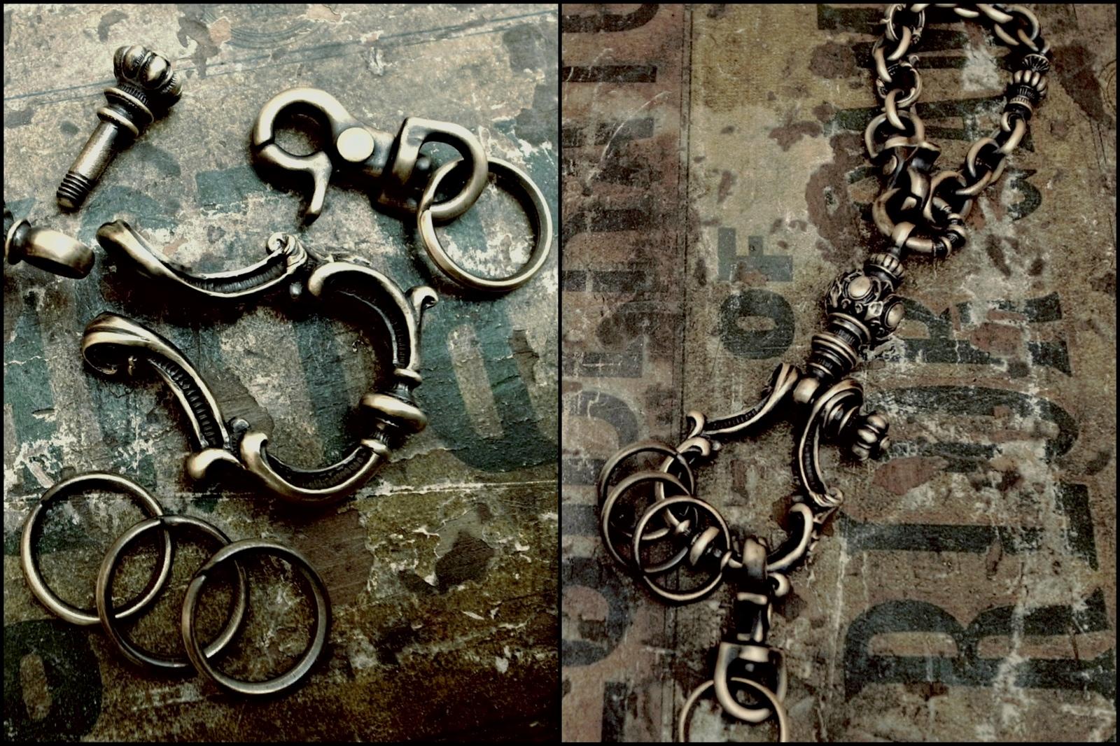 シャックル式なので分解可能【Antique Shackle Keychain】