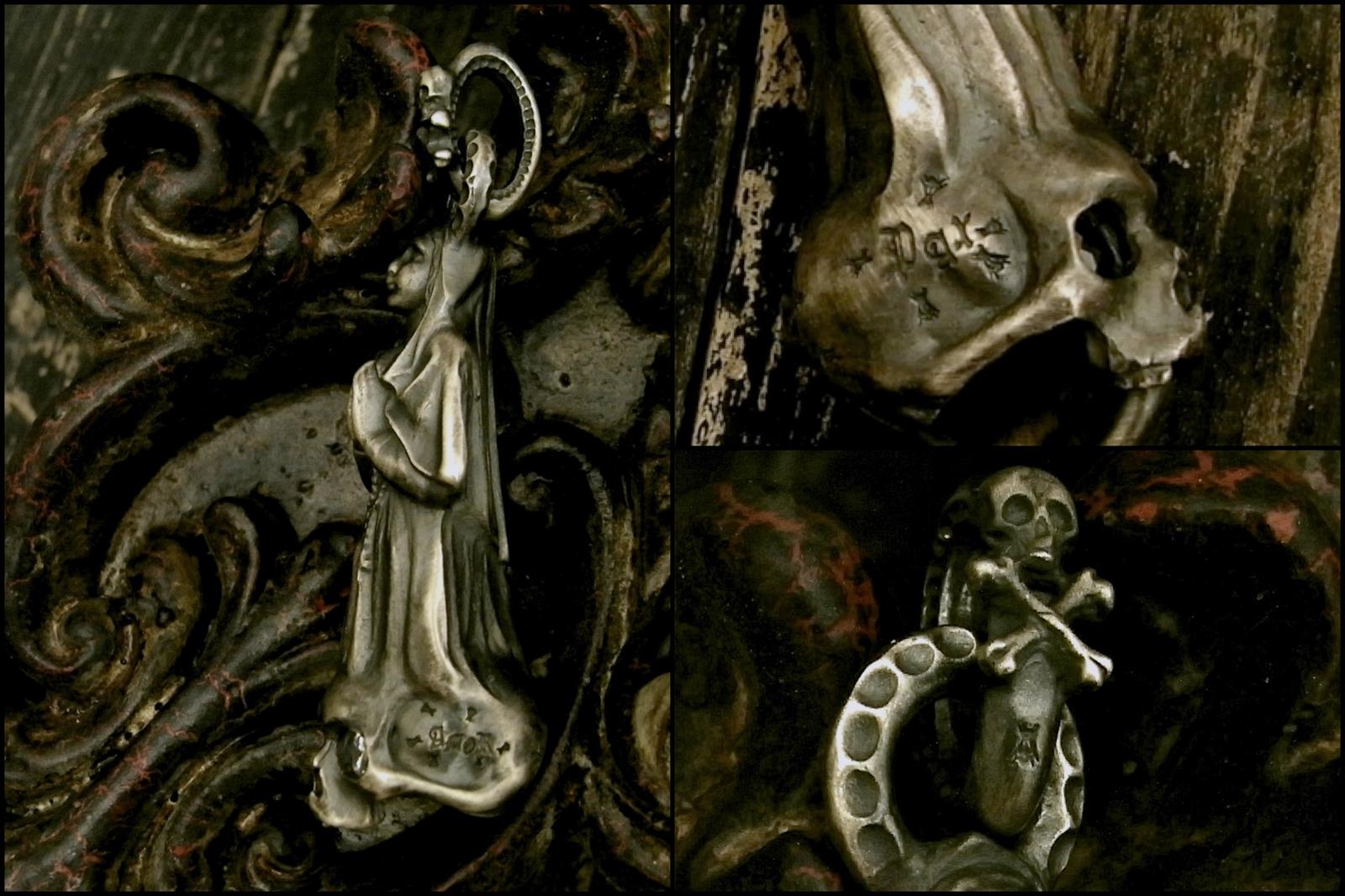 至る所に悪魔を意味する蠅が・・・【Faith Pendant】