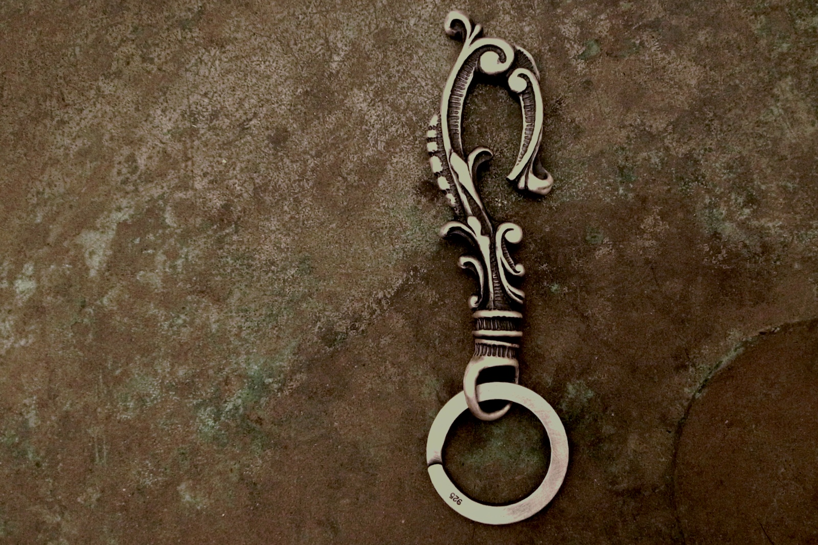 シルバー製【Antique Hook Keyholder】