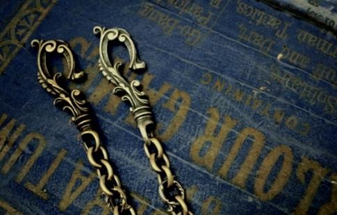 Antique Hook Walletchain