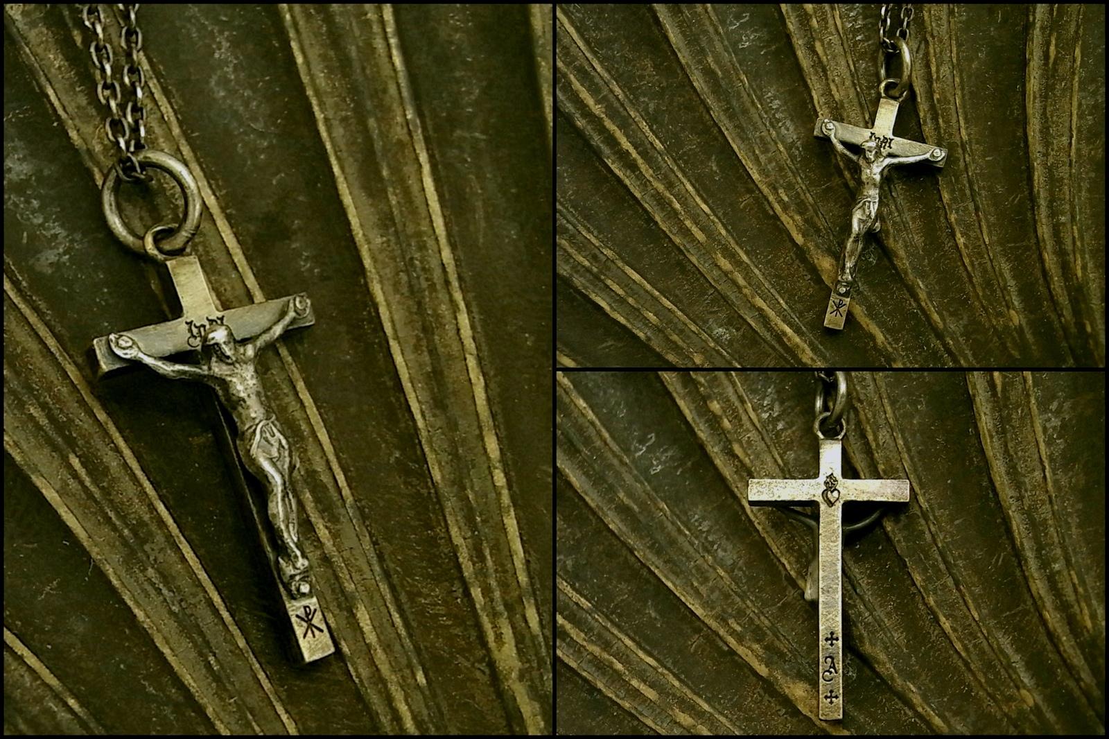 クロスには細かな彫刻【Jesus Necklace】