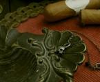 チェーン付きの小振りなスカルネックレス【Memento Mori Charm Necklace】