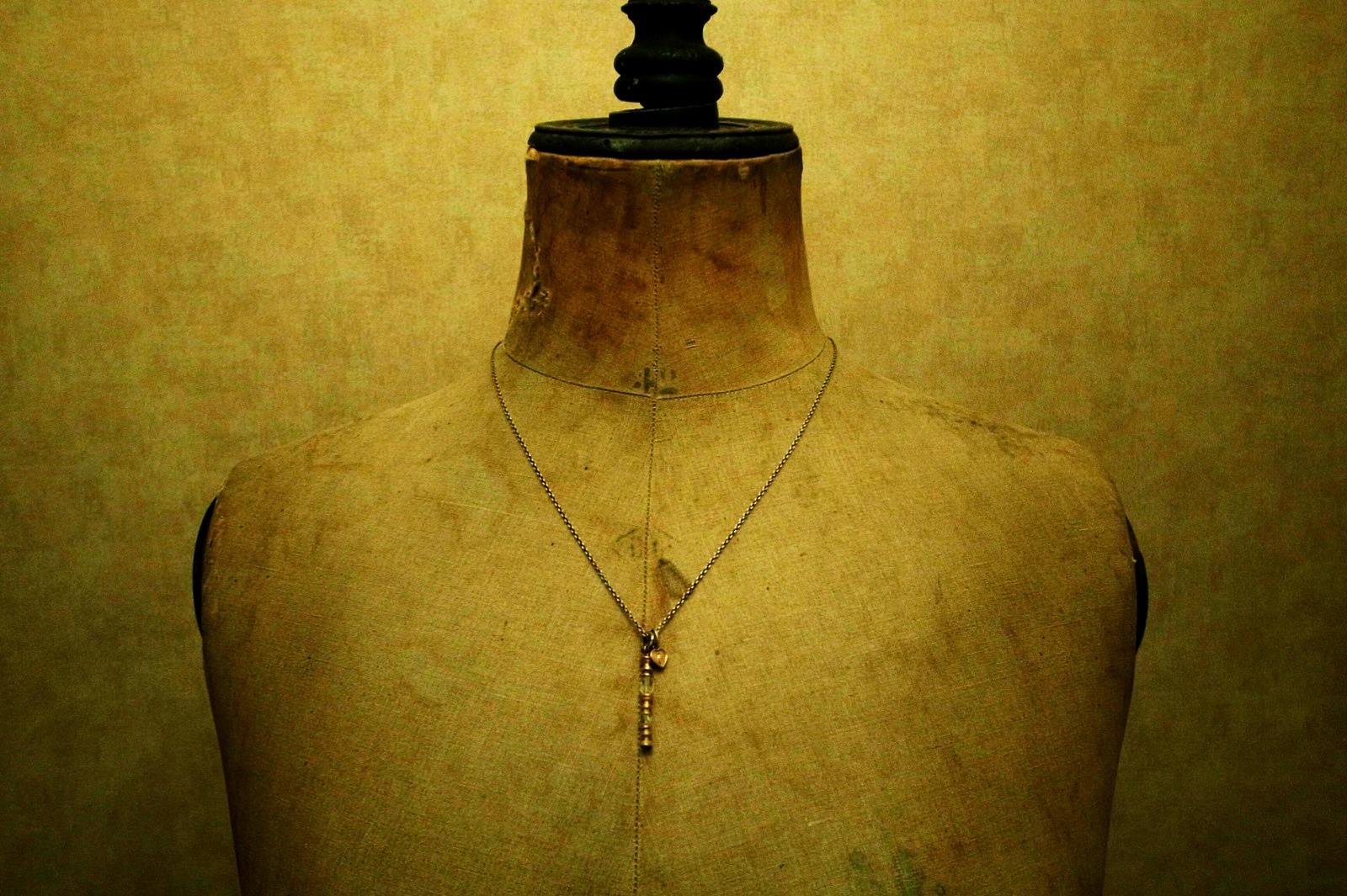 着用画像【Pillar Necklace】
