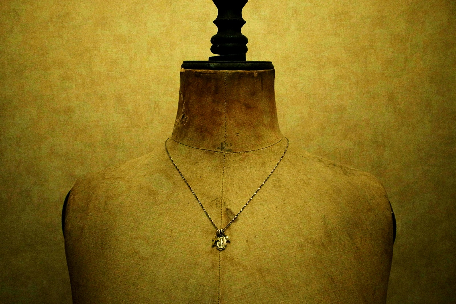 着用画像【Prayer Necklace】