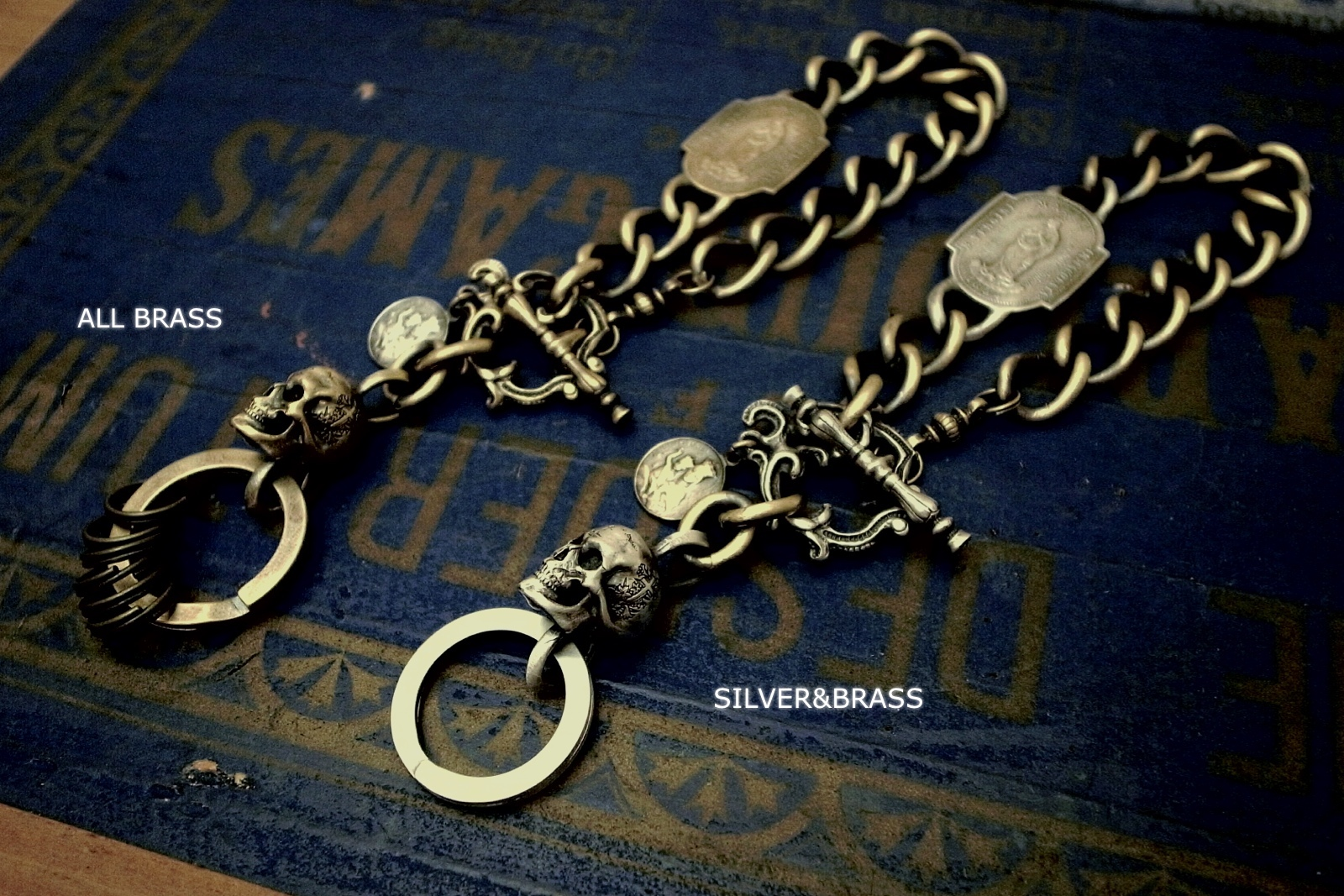 SILVER&BRASSとALL BRASSの2種類【Madeleine Skull Keychain】