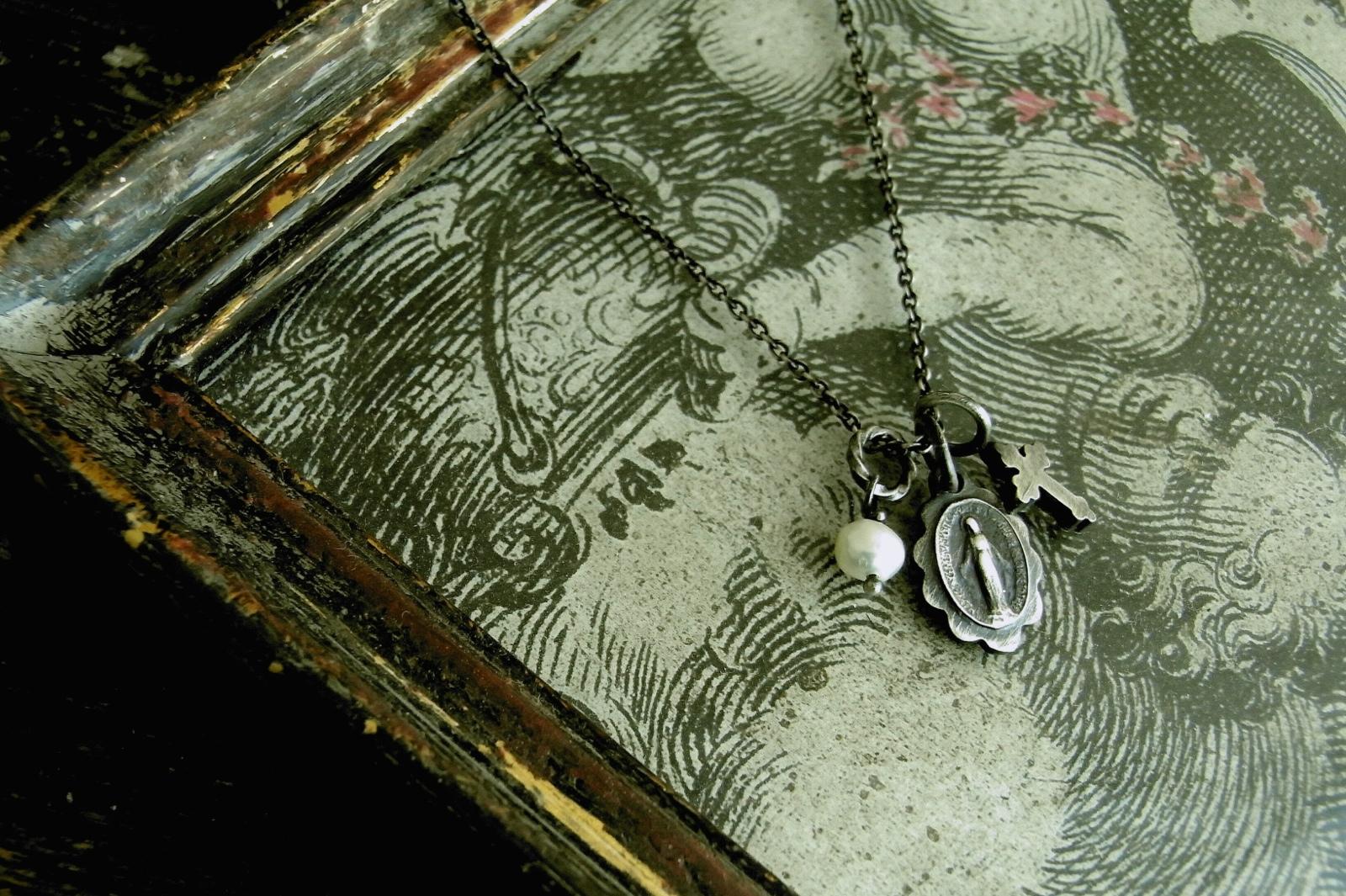 シルバーメダイ×真鍮クロス【Prayer Necklace】