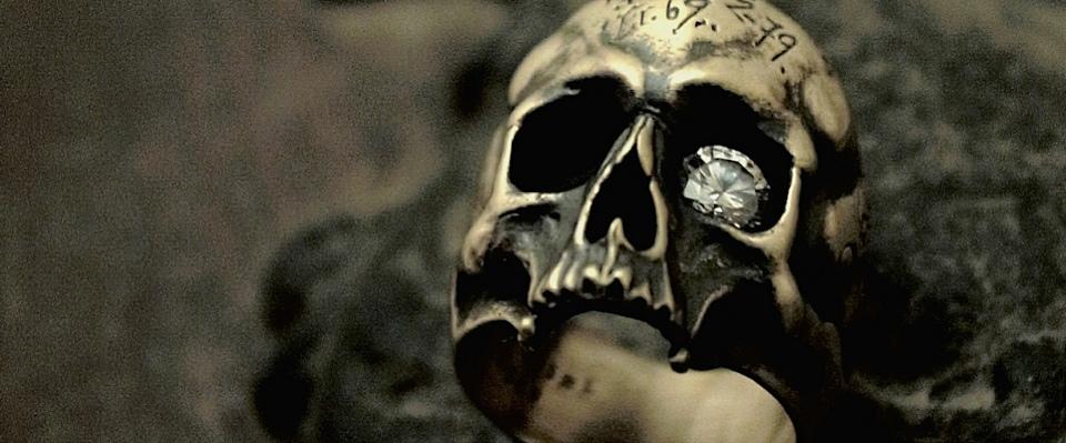 世界中からご注文を頂いているスカルリング【Mement Skull Ring】