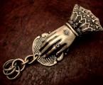 上品な淑女の手をモチーフに【Hand Clip Keyholder】