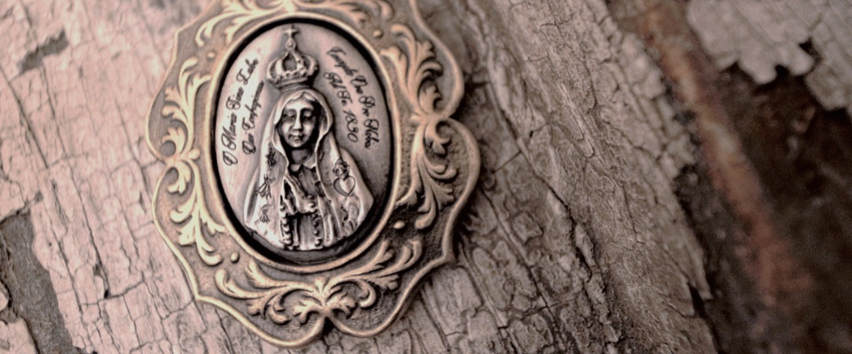 Ave Maria Pendant